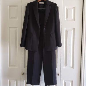 Tahari Suit Blazer 6 Black White Pinstripes